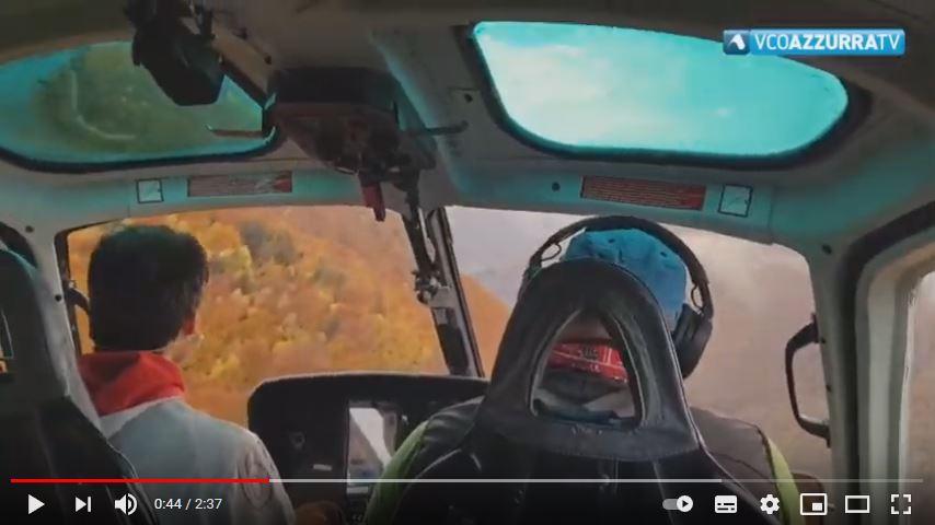 Il volo in elicottero per raggiungere la miniera