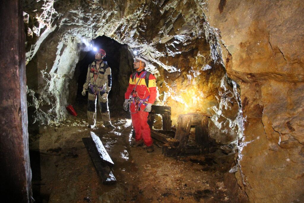 Esplorazione della miniera abbandonata