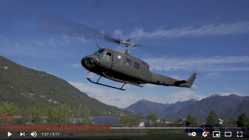 L'elicottero del 32 genio guastatori dell'esercito italiano