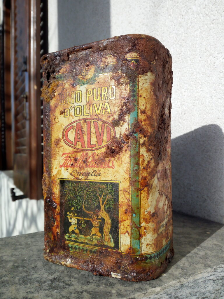 la centenaria latta di olio Calvi